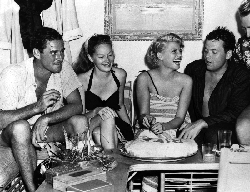 Flynn with young second wife Nora Flynn, Rita Hayworth and Orson Welles on holiday in Acapulco, Mexico, 1946
