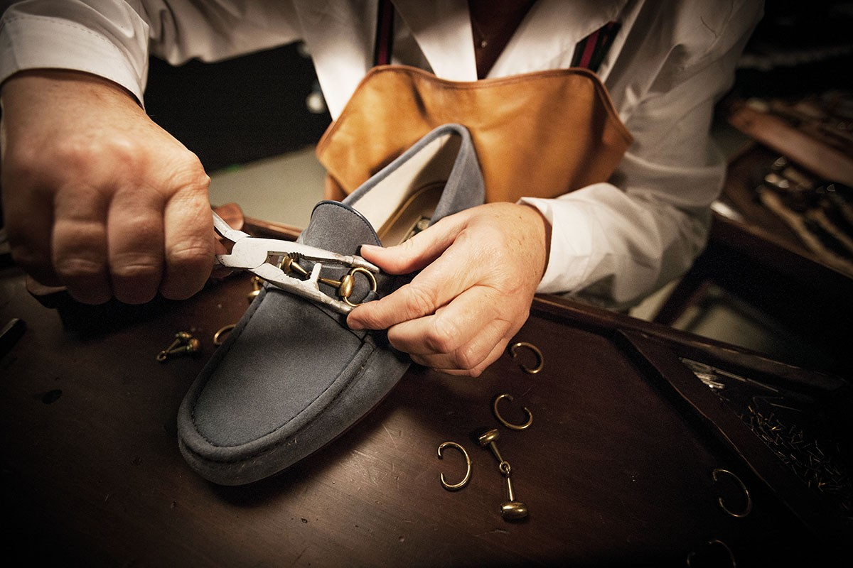 ddac0a82ffd No Strings Attached  The Gucci Horsebit Loafer