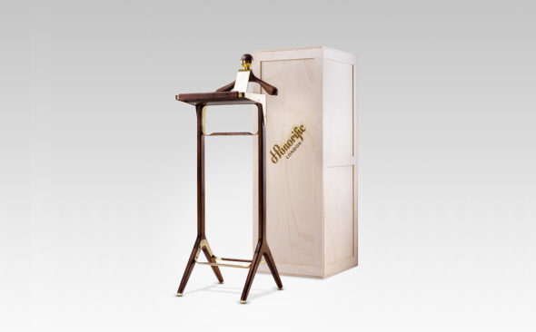 Invest: Honorific Gentleman's Valet Stand