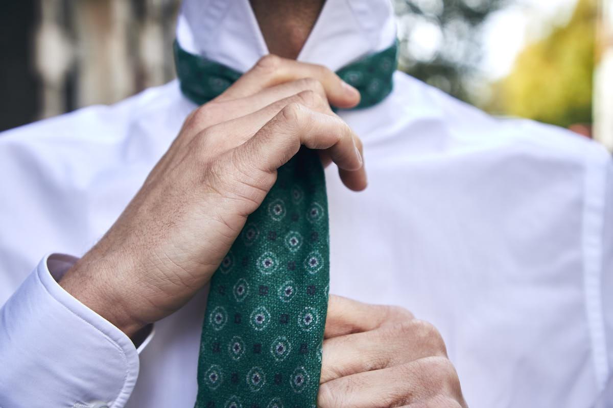 Remo Sartori Made in Italy Mens Dots Bright Colour Necktie 100/% Silk Fuscia 3.34 Width