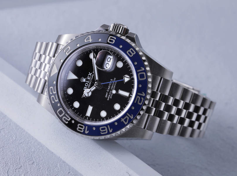 ROLEX GMT-Master II Batman_tilted